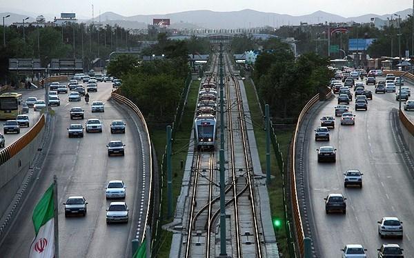 تعریف ۷۵۰۰ میلیارد پروژه در شهرداری مشهد برای آمریکا پیام دارد