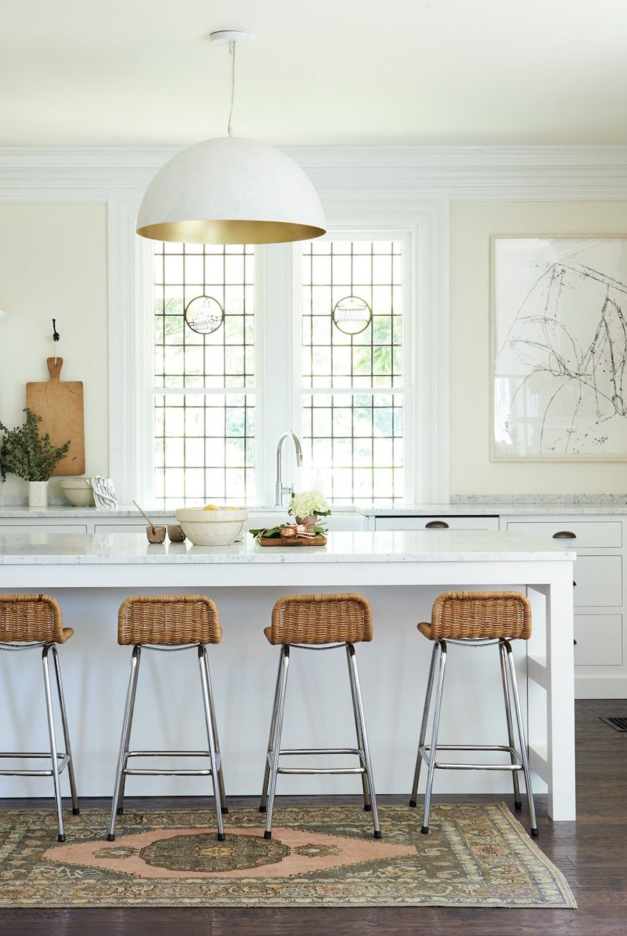 تم سفید رنگ مخصوص آشپزخانه
