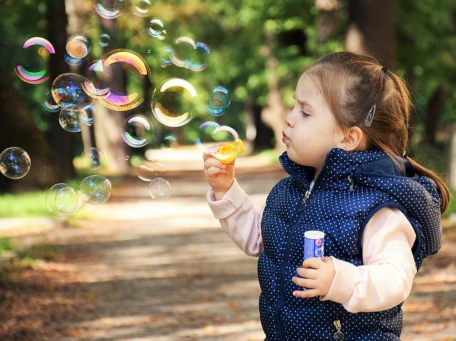دختر کوچولوی بانمک شیطون
