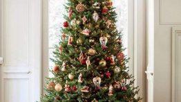 درخت کریسمس زیبا و سبز