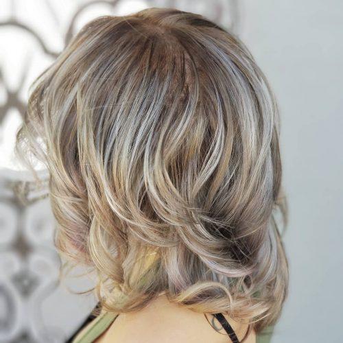 زیباترین رنگ موی قهوه ای روشن با هایلایت
