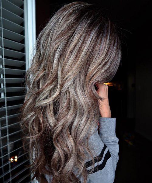 مدل رنگ موی قهوه ای روشن با هایلایت