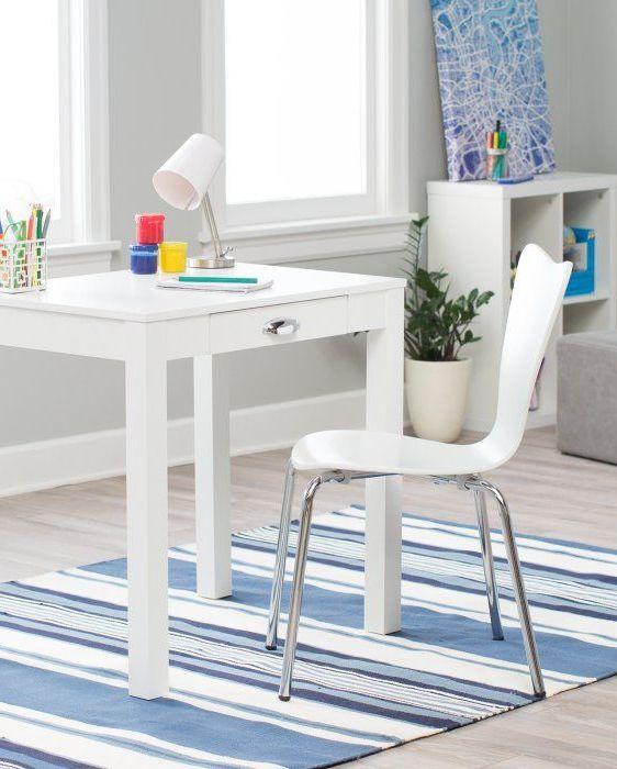 میز سفید رنگ مناسب جای کوچک