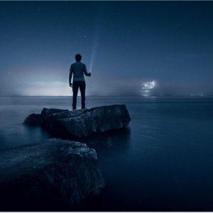 عکس پروفایل تنهایی تاریک