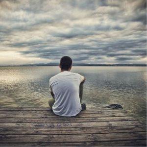 عکس پروفایل تنهایی پسرونه دریا