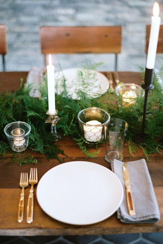مدل ساده و شیک و تمیز میز کریسمس