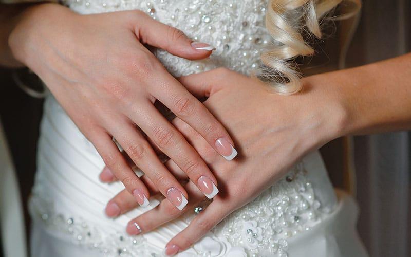 مدل ناخن جذاب و شفاف مناسب عروس ها در سال 2020