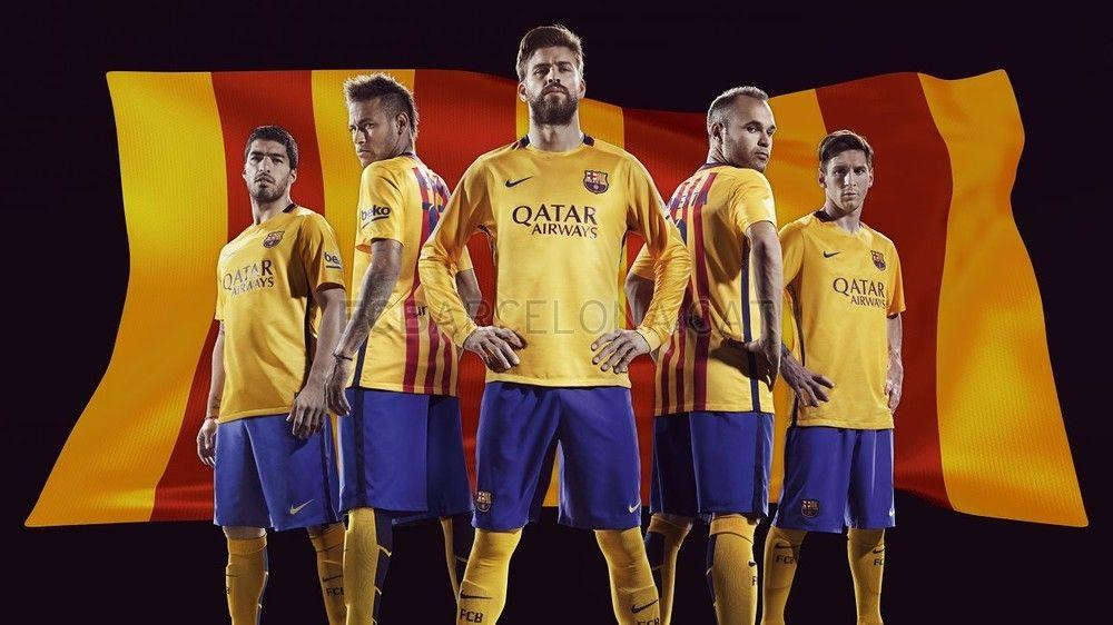 لباس زرد رنگ بارسلونا در سال 2015 میلادی