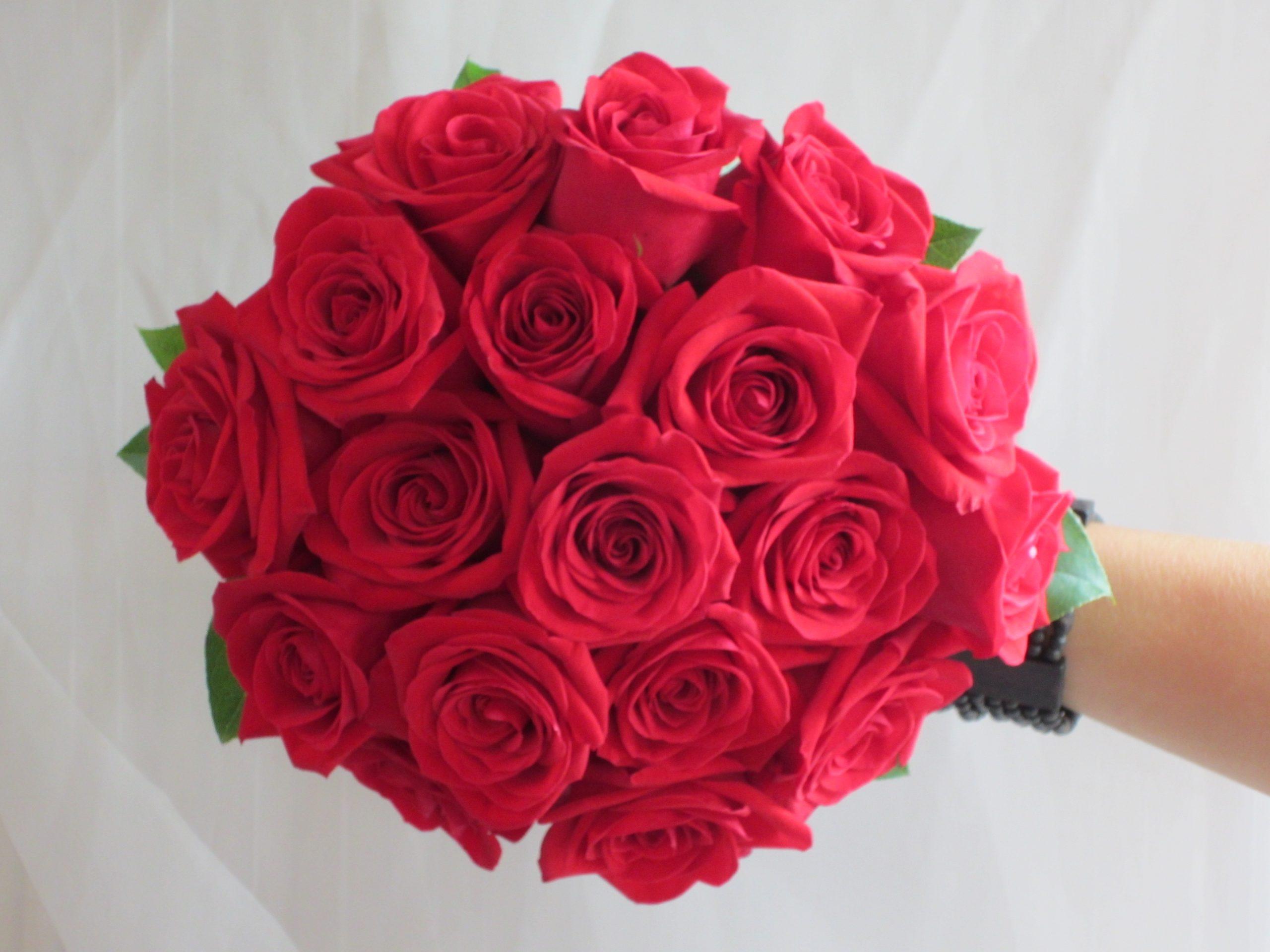مدل دسته گل قرمز و شیک و خاص دیدنی سال 99