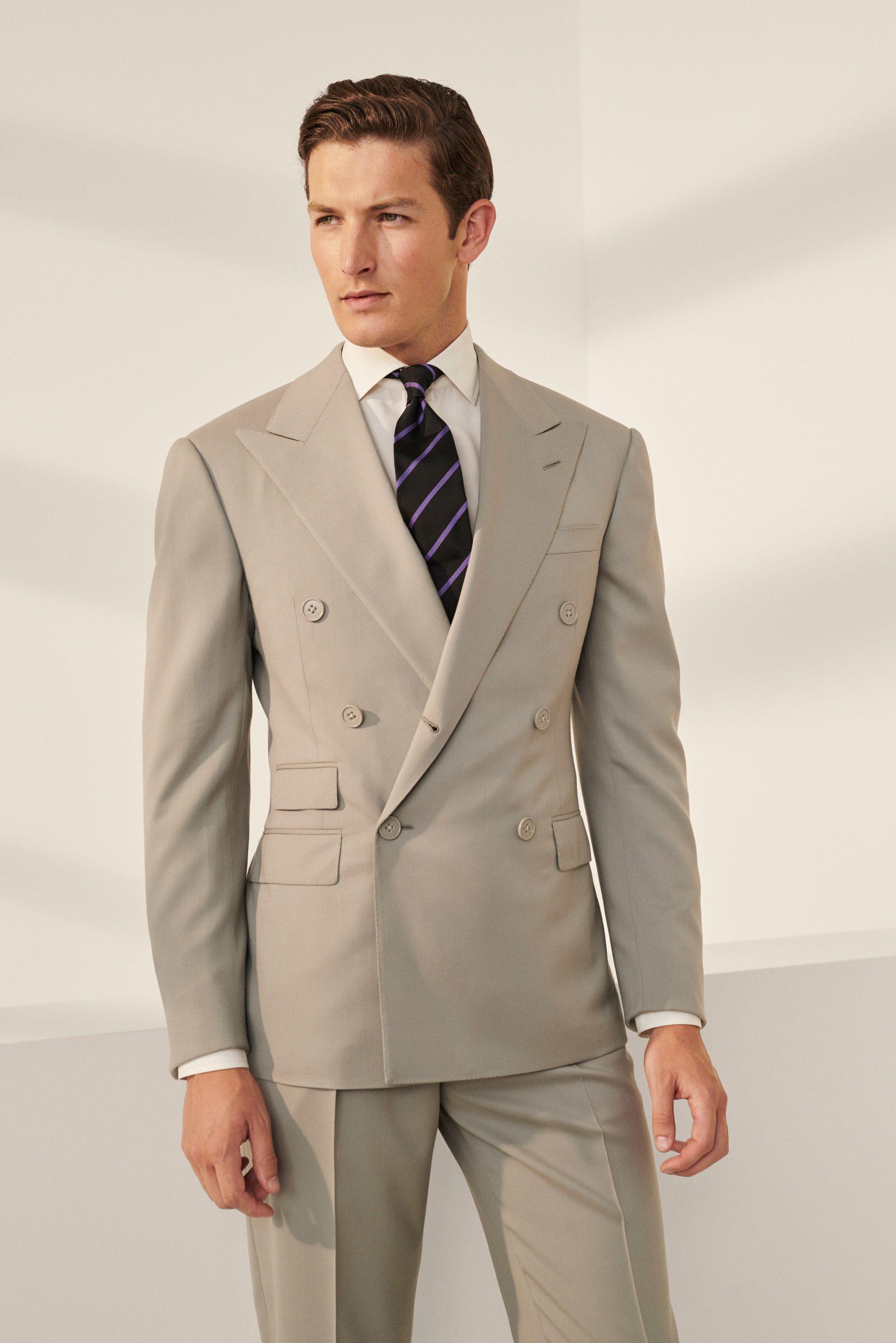 مدل کت و شلوار شیک مناسب عید 99 با کرااوات آبی