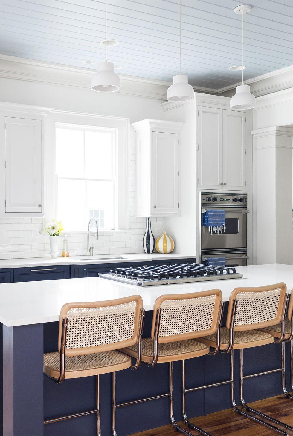 آشپزخانه دیدنی و شیک در سال 2020 با طراحی سفید دیدنی