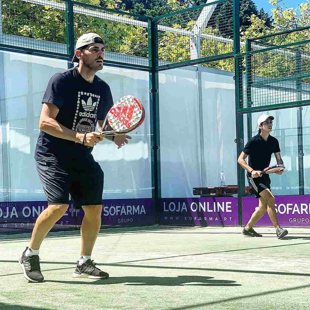 عکس ایکر کاسیاس افسانه ای در موقع بازی تنیس