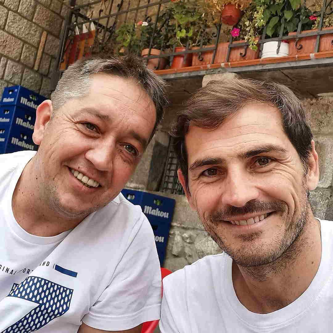 عکس دیدنی از کاسیاس با یکی از دوستانش