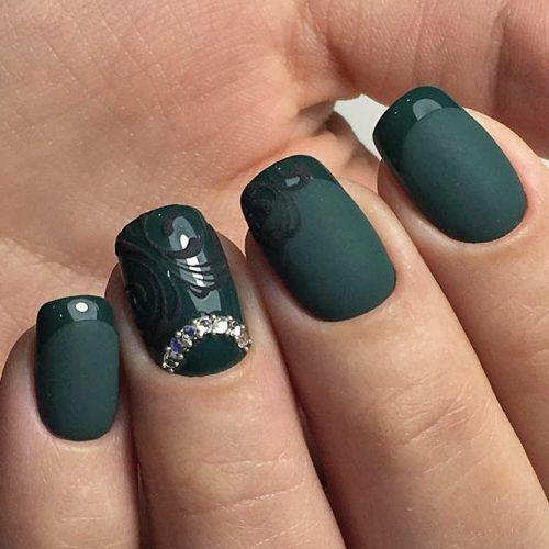 لاک جذاب و دیدنی سبز رنگ با شکل خاص