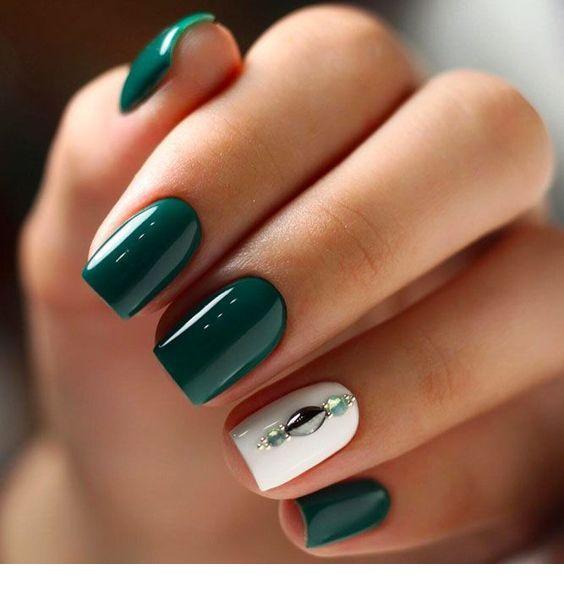 مدل لاک دیدنی سبز رنگ با رنگ سفید