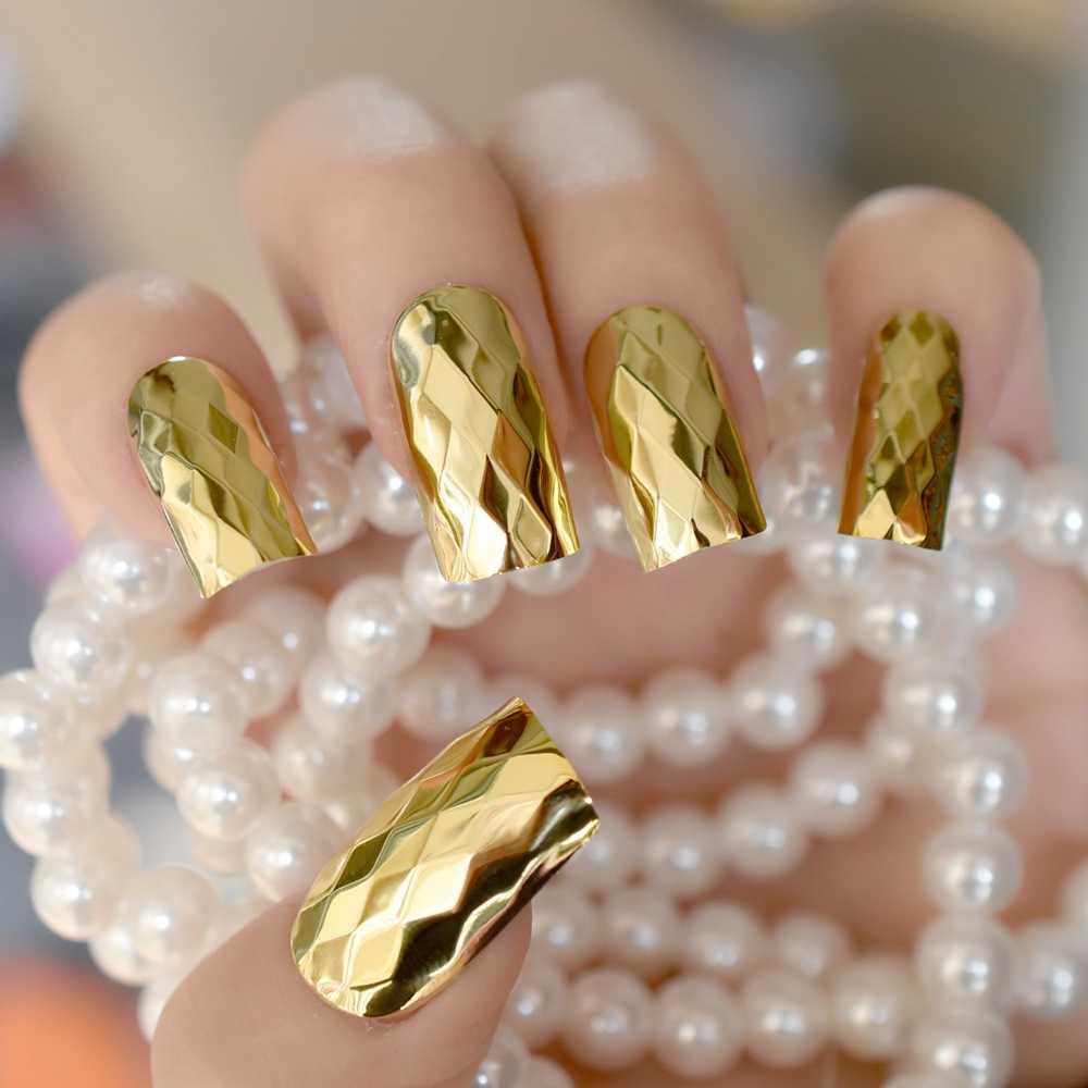 مدل هاشور دار لاک طلایی رنگ