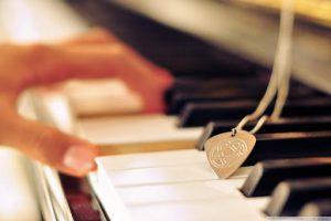 عکس پروفایل پیانو عاشقانه