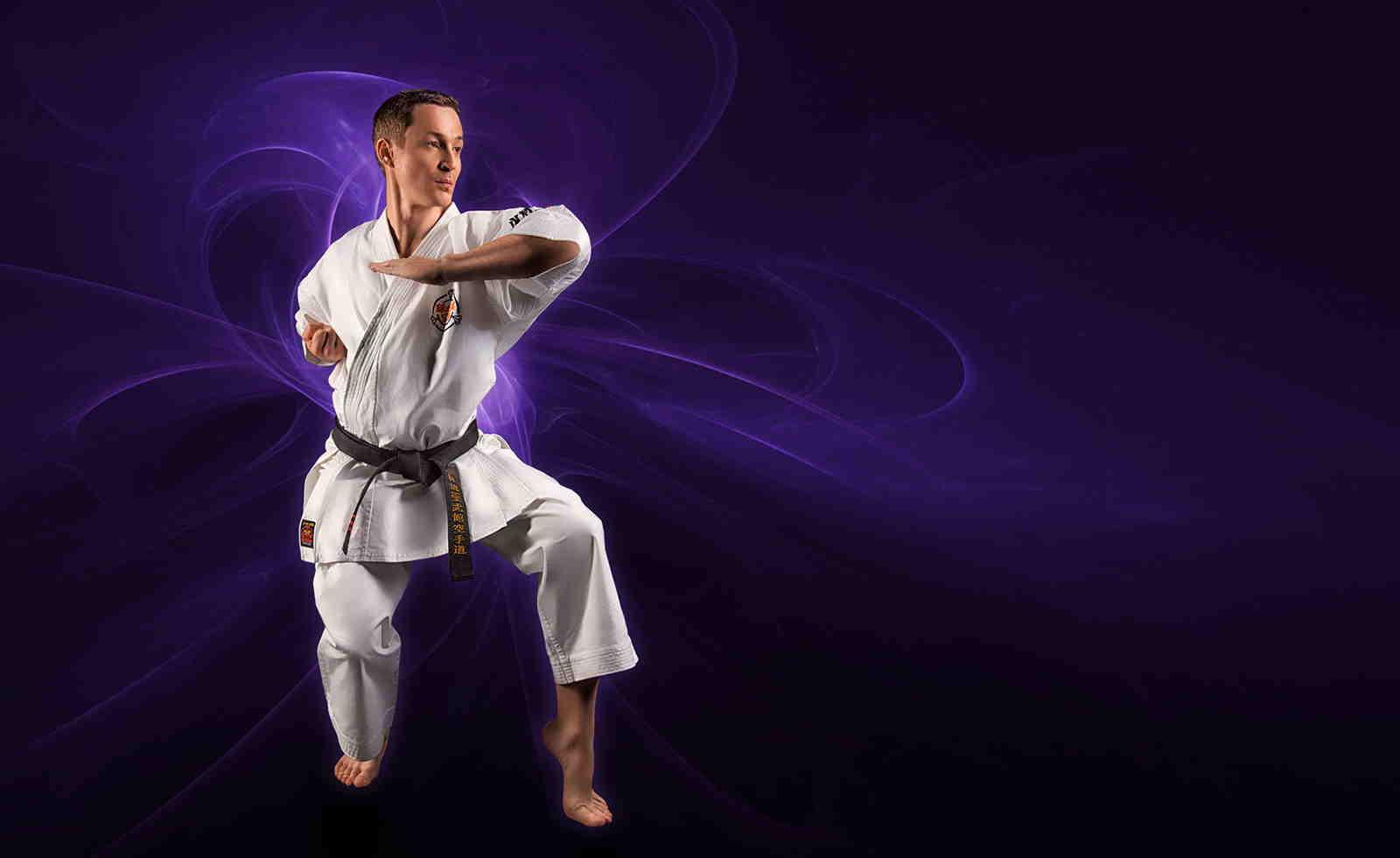 پروفایل از فنون رزمی زیبای کاراته شیک و دیندی