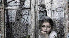 عکس دختر پشت پنجره بارانی دیدنی